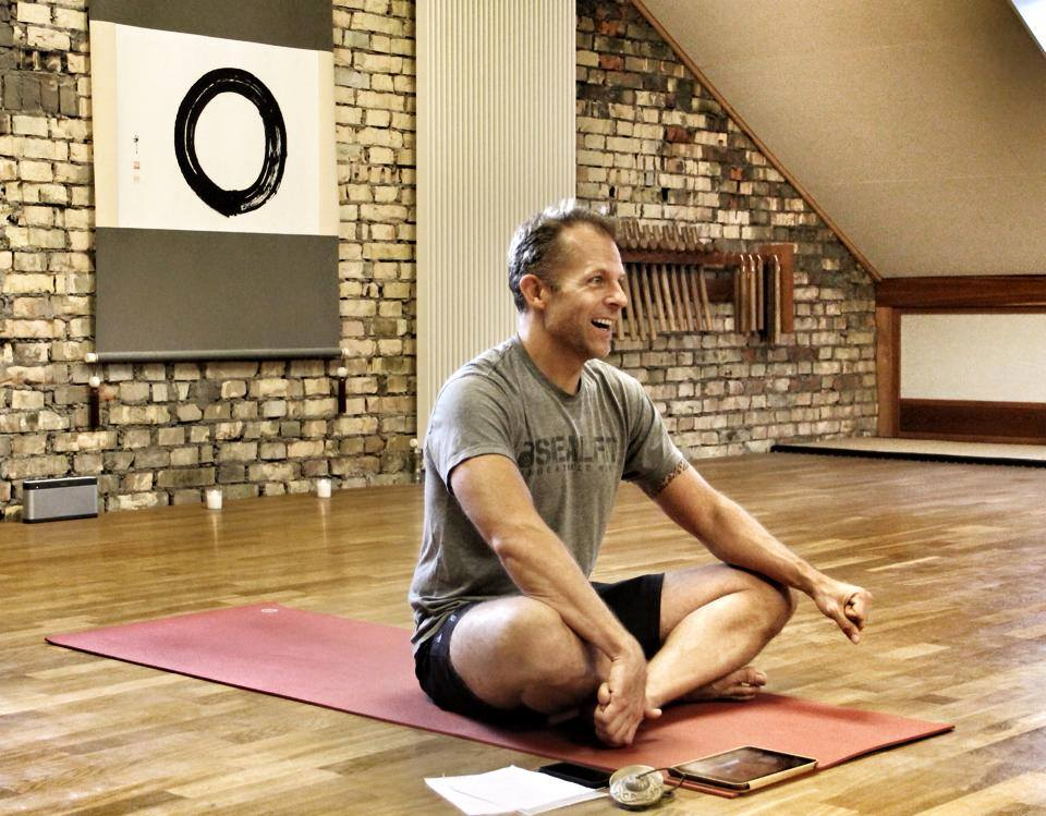 Richterswil Private Yoga Lessons by Yoga Teacher Jeff Grant